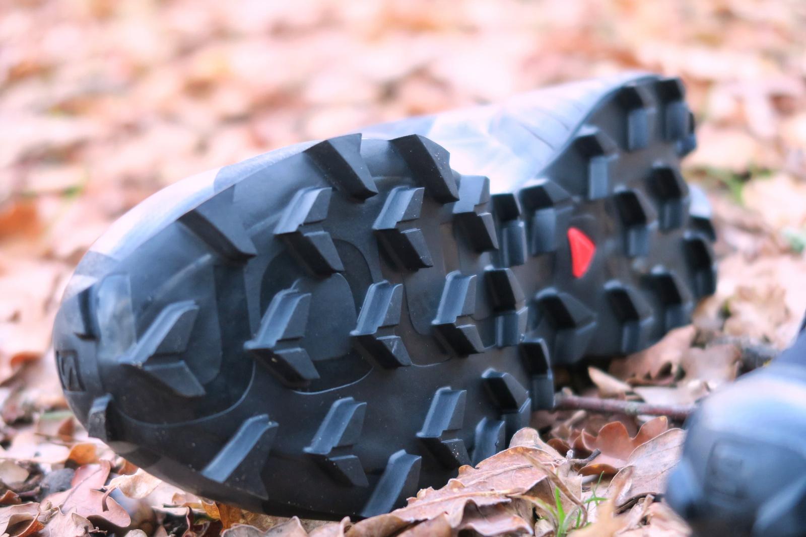 Les crampons de la Salomon SpeedCross 5