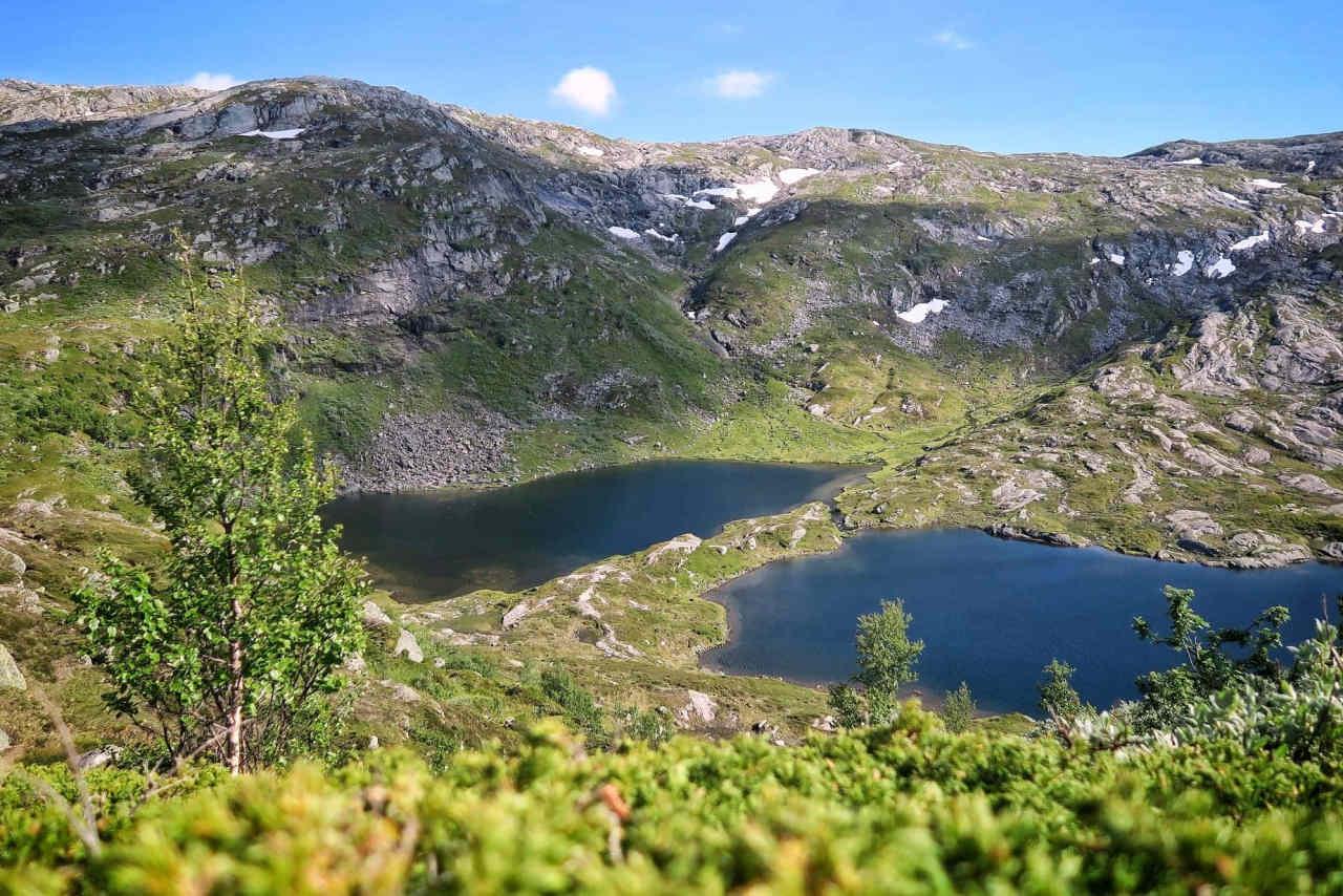 Lacs de montagne en redescendant sur le premier ravito au km35